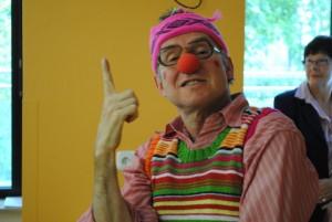 Bernd Witte arbeitet schon seit 20 Jahren in einem Impro-Theater. Er wurde bei einem Casting ausgewählt und wurde Klinikclown. Foto: Thomas Borgböhmer