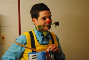 David Häntschel alias Wolke ist über seine Freundin und verschiedene Workshops in den Clownsberuf gerutscht. Foto: Thomas Borgböhmer