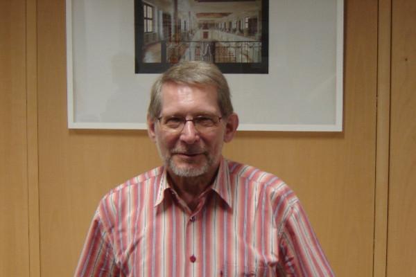 Fritz Germann ist seit 2002 Seniorenstudent. Seit knapp vier Jahren ist er nun Vorstandsvorsitzender des Vereins. Foto: Thomas Borgböhmer