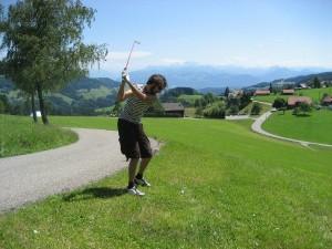 Zurück zur Natur - Crossgolf führt die Spieler immer wieder an ungewöhnliche Orte. Foto: Groundhoppers Dortmund