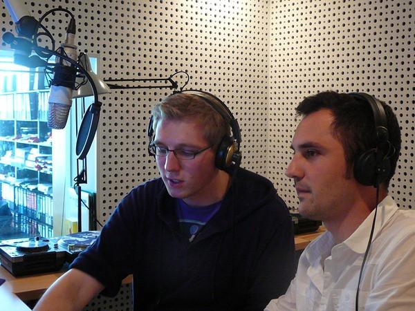 Eldoradio*-Reporter Carlo Sporkmann und Stephan Münges kämpfen für bessere Musik im Radio.