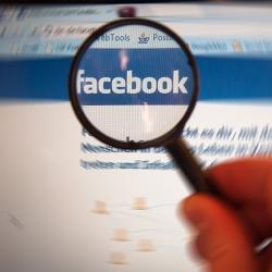 Facebook-Knigge: Manieren fürs Netz