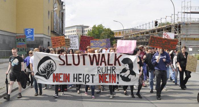 Nicht nur in Dortmund fand der Slut Walk statt, auch in Berlin, Bielefeld, Köln und vielen anderen deutschen Städten wurde am Samstag demonstriert. Foto: Michael Jochimsen