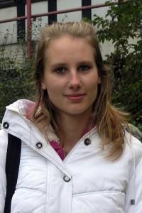 Kim Vanessa Wesnigk studiert Chemie im 1. Semester. Foto: Elena Bernard