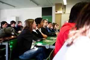 Viele der Dortmunder Studenten bekamen von der Thematik kaum etwas mit. Foto: Patrick Lauke