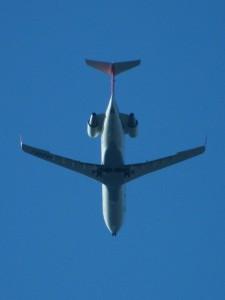 Mit dem Flugzeug geht's zum Studium ins Ausland. Photo: Emran Kassim/ flickr.com