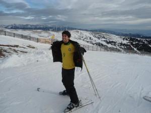 Ivan zum ersten Mal im Schnee. Der Brasilien wünscht sich weiße Weihnachten. Foto: Privat