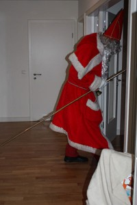 1,98 Meter. Da muss der Nikolaus schon mal den Kopf einziehen.