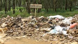 Müllberge wie dieser sind ein typisches Bild in vielen afrikanischen Ländern - hier bei uns kaum vorstellbar. Foto: hoyasmeg/flickr.com