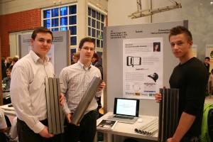 Präsentierten ihren Prototyp eines verbesserten Windgenerators: Arthur Kugel, Samuel Butt und Marcel Nemec (v.l.)