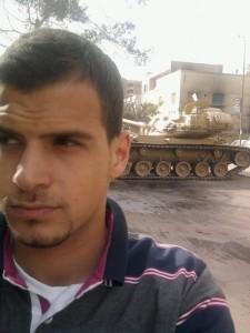 Februar 2011: An fast jeder Kreuzung standen Panzer, berichtet Sami. Fotos: privat