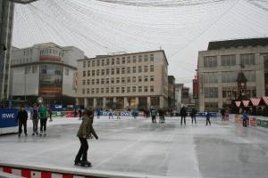 Trotz der äußerst milden Temperaturen ein Erfolg: Essen on Ice 2012. Foto: Martin Schmitz