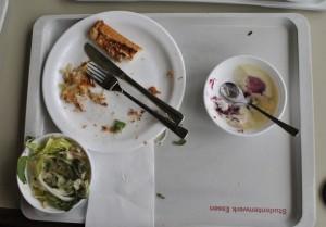 Ein typisches Mensa-Essen. Mit der Pizza war Susanne zufrieden. Foto: Lara Enste