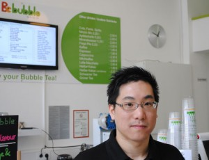 "Au Ka Hoo (28) ist der Besitzer des Bochumer Ladens ""Be Bubble"". Er steht hinter dem Produkt."