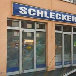 Schlecker-Mitarbeiter sind bald arbeitslos. Foto: flickr/RBRT KST, Teaserfoto: flickr/steinerlei