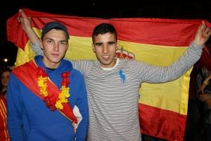 Dennis (links) ist froh, dass Italien nicht gewonnen hat.