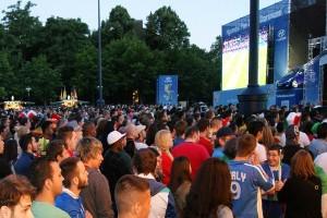 Public Viewing auf dem Friedensplatz