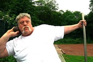 Peter Falkenhain ist beim Kugelstoßen mehr als andere auf seine Explosivität im Arm angewiesen.
