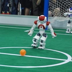 Roboter als Profikicker