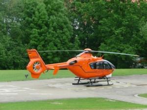 Damit nicht zu viel Zeit vergeht, transportieren häufig Hubschrauber die gerade entnommenden Organe auf schnellstem Wege zu dem Empfänger. Foto: Florian Blas/pixelio.de