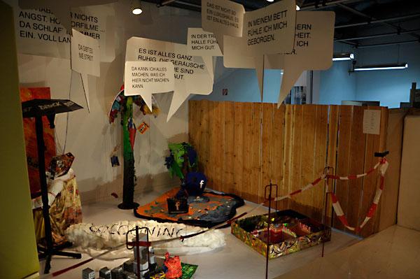 Alle Stationen der Ausstellung wurden von den teilnehmenden Schülern selbst gestaltet. Fotos: Mareike Fangmann