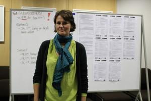 Die bayerische Schulleiterin Carmen Mendez fordert bessere Lehrvoraussetzungen für alle Schüler und Schulen. Teaserbild und Fotos: Louise Seidenstücker