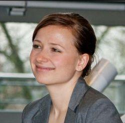 Anika Kneiphoff von der Stabsstelle eLearning gibt RUB-Dozenten Tipps, wie sie Veranstaltungen besser medial gestalten.