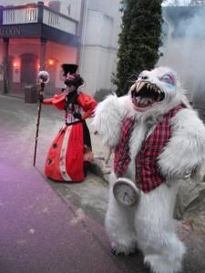 Alice im Wunderland mit Horror-Hasen. Fotos: Ildiko Holderer