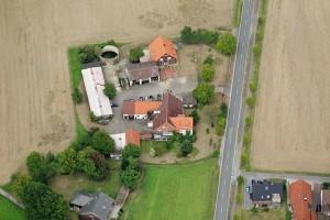 Luftaufnahme des Hofes in Löhne. Foto: Harald Neumann