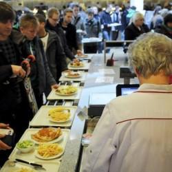 Um Schlangen zu verhindern, investiert das Studentenwerk in seinen Gastronomiebereich. Foto: Florian Hückelheim