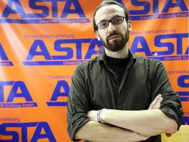 Asta_Referent Daniel Lucas kritisiert die Methode, wie Forschungsgelder vergeben werden. Foto: Daniel Moßbrucker