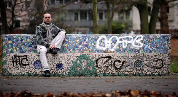 Allein in einer Großstadt: Dennis ist im Februar 2012 von Hannover nach Dortmund gekommen. Es war eine Flucht aus einem Leben voller Drogen und Gewalt. Teaserfoto/Fotos: Daniel Moßbrucker