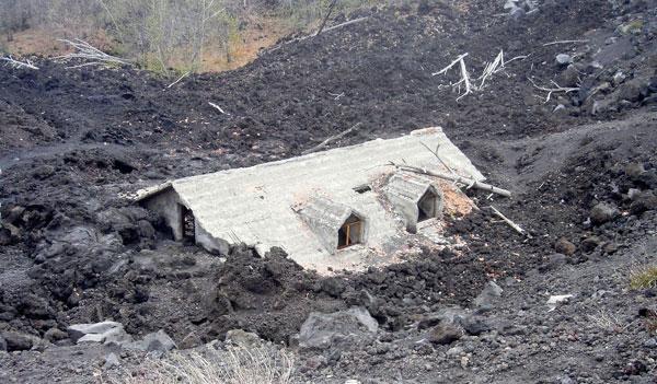 Der Ausbruch eines Supervulkans könnte zu dramatischen Folgen führen. Foto: Makrodepecher/pixelio.de