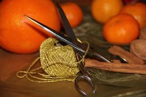 Basteln mit Orangen und Zimt