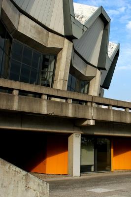 Tiefe Einblicke lässt sich die Ruhr-Uni Bochum teuer bezahlen. pflichtlekuere fragt nach, welche Geldgeber Forschungsprojekte an der RUB unterstützen. Foto: Niko Korte / pixelio.de