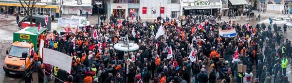 Mehr als 1.000 Menschen kamen zur Demonstration zum Erhalt der WR. Teaserfoto/Fotos: Christiane Reinert