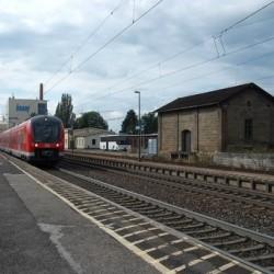 Die Bahn will auch bald WLAN in den Zügen anbieten. Foto: Hartmut910/ pixelio.de.