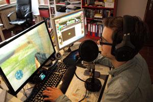 Jeden Tag lädt Sebastian ein neue Video für den Kanal hoch. Dann is er als sogenannter Single-Player unterwegs und kämpft sich alleine durch diverse Spiele.