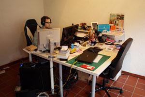 So sieht es aus, wenn Sebastian Videos für den Channel produziert. Das richtige Equipment hat er dafür.