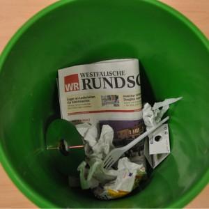 Falls wirklich viele WR-Leser ihre Abos kündigen, könnte die Westfälische Rundschau bald wirklich im Papierkorb landen. Foto: Johannes Hoffmann