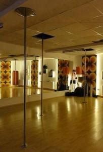 Noch ist das Tanzstudio leer. Fotos: Nora Füllenkemper