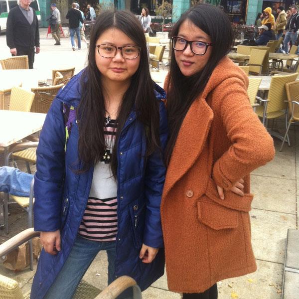 Yundi Qu (li.) und Jung Li sind Austauschstudentinnen aus China. Auch sie hätten das Champions League Halbfinale gerne im Stadion gesehen.