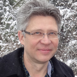 Prof. Dr. Hans-Jörg Assion ist ........ Fotos: Kiana Afrahi