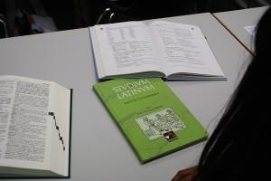 Studium Latinum, die Lektüre der Studenten. Foto:Franziska Jünger