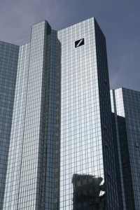 """Wettet die Deutsche Bank zulasten des Steuerzahlers? """"Deutschland kann es sich ja nicht leisten, dass die Deutsche Bank pleitegeht und andere Banken mitreißt."""""""