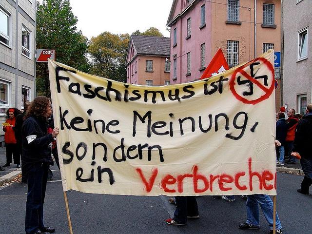 Die Antifaschisten setzen für Gleichbehandlung und gegen Ausbeutung ein. Teaserbild und Foto: Flickr