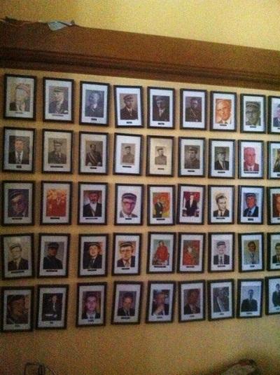 Auf einer Fotowand sind sämtliche Mitglieder der Ubia Brunsviga verewigt.