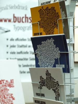 """Postkartenmotive der """"Buchstabenorte"""", Foto: Saskia Gerhard"""