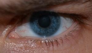 Das menschliche Auge passt sich den äußeren Lichtverhältnissen an. Foto:flickr.com/aufgehts2013