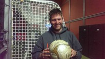 Eine besondere Beziehung: Johannes Witzenrath und der Fußball. Foto: Revier Sport